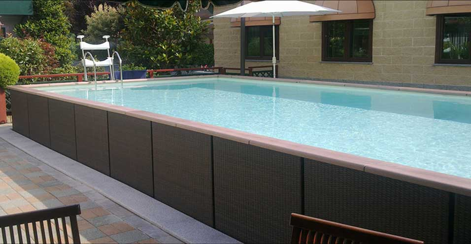 Piscine semi enterr e en m tal for Piscine kit bois semi enterree