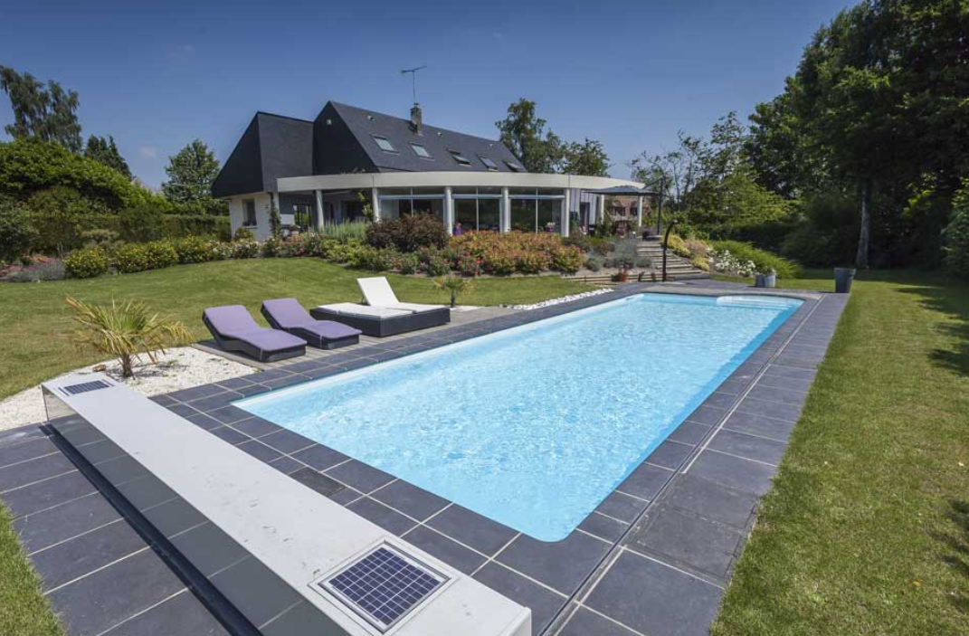 Des id es de piscines rectangulaire for Piscine semi enterree beton