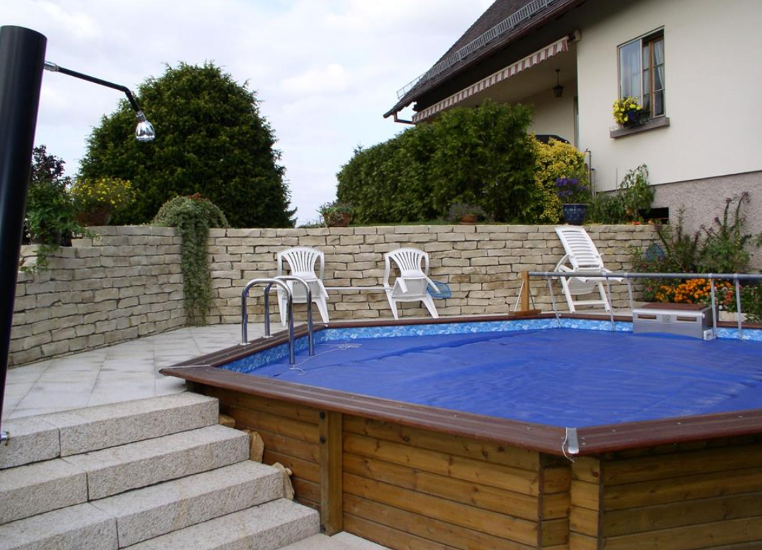 Le tas d 39 id e de piscine semi enterr e for Piscine structure bois semi enterree
