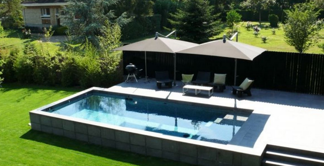 Piscine semi enterr e beton for Piscine semi enterree en bois pas cher