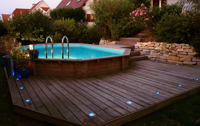 Le prix d 39 une piscine semi enterr e for Piscine en kit bois semi enterree