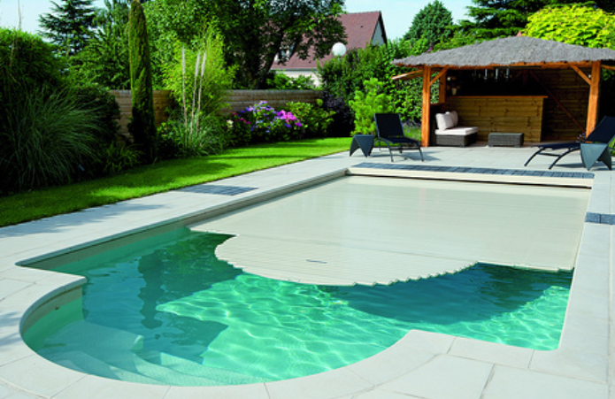 Tarif piscine semi enterre elegant prix piscine semi for Prix piscine posee