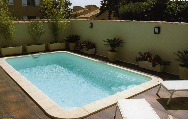 petite piscine polyester