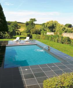 petite piscine en rectangle