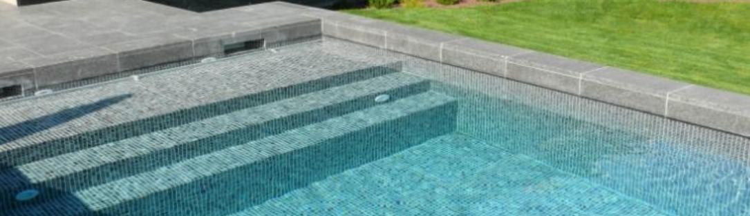 piscine béton mosaiques