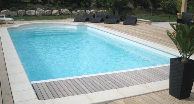 piscine bois et polyester