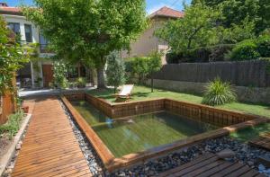 piscine bois et galet