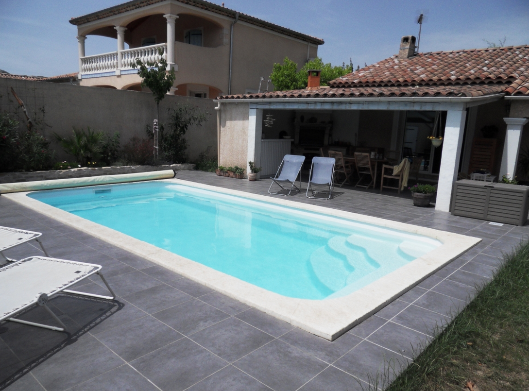 Des id es de piscines rectangulaire for Piscines semi enterrees