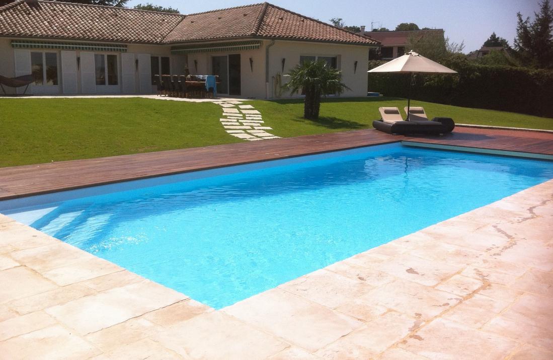 D couvrez en photo les piscines desjoyaux for Piscine desjoyaux