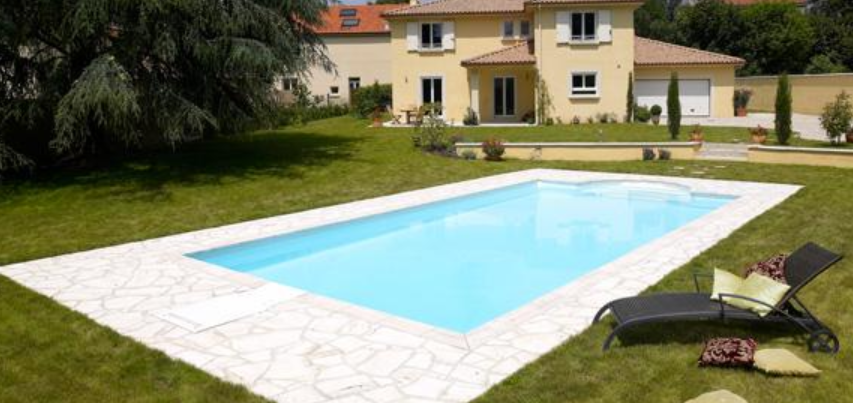 piscine moyenne en rectangle