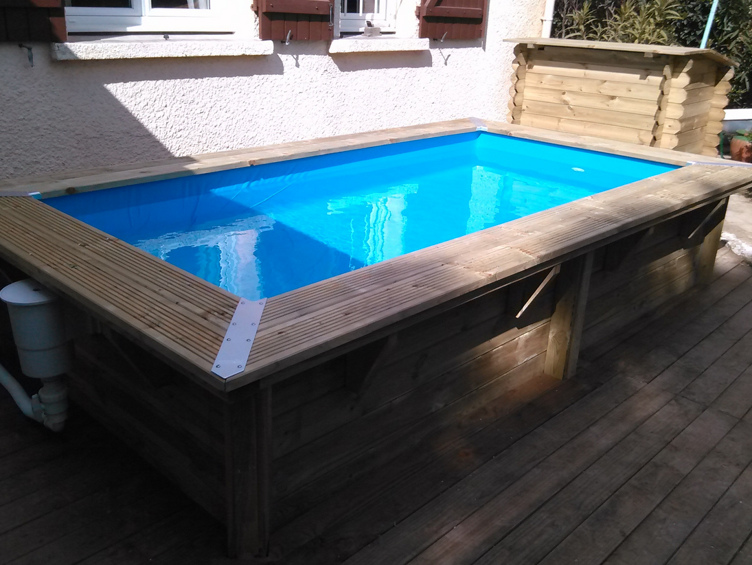 Les piscines en bois en photo for Rideau piscine pas cher
