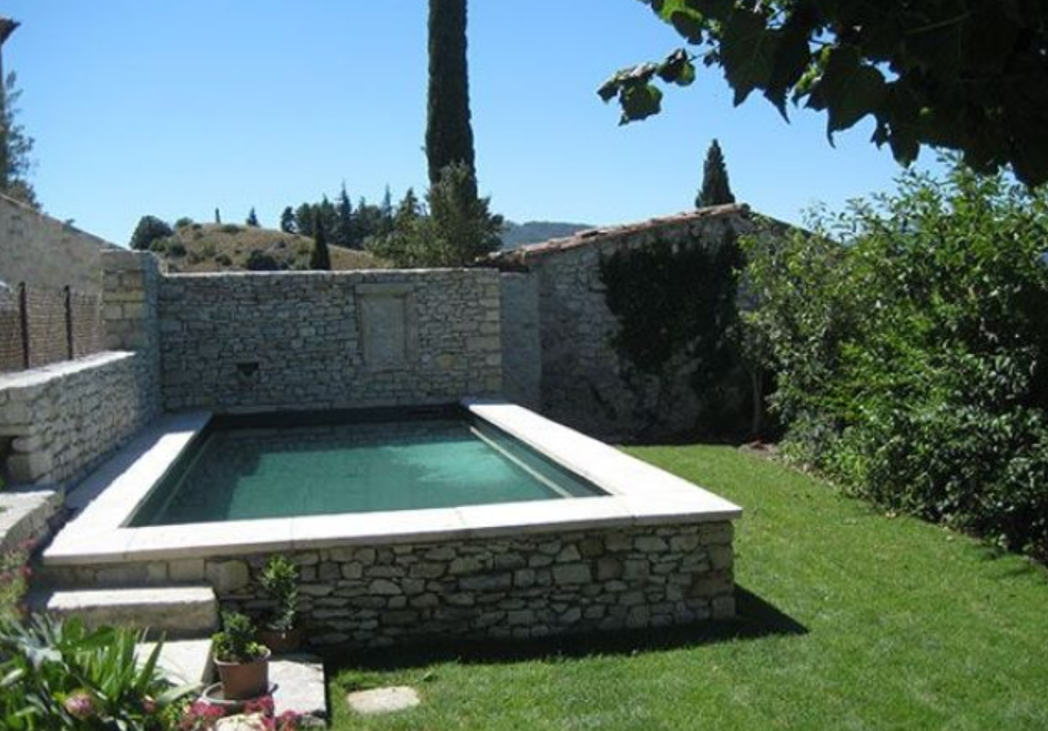 20 photos de piscine en b ton for Prix piscine beton 6x4