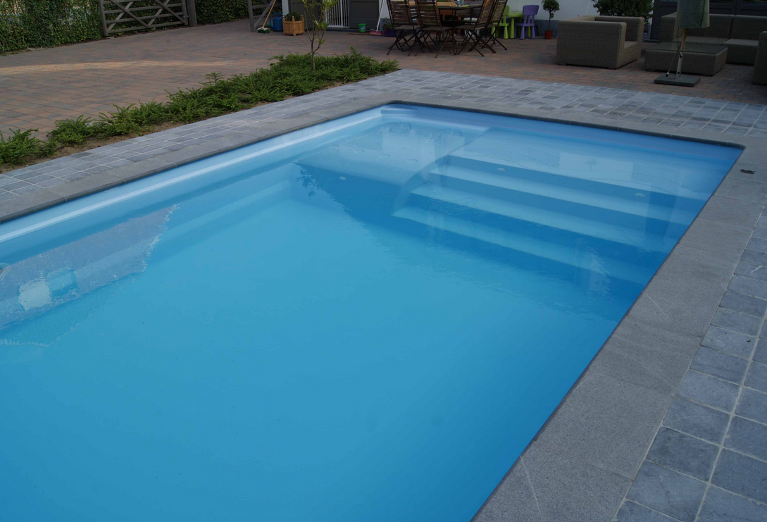 piscine rectangle carreaux