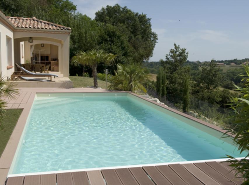 piscine rectangulaire en bois