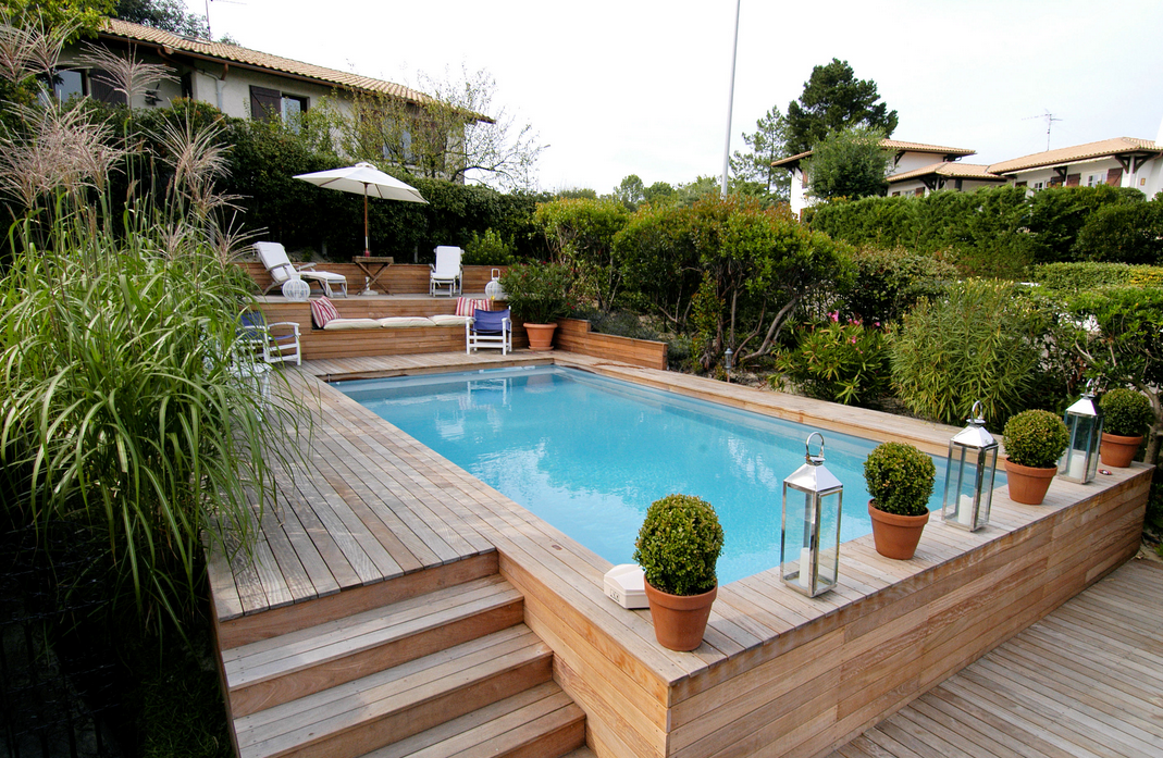 Plein d 39 id es de piscines semi enterr es for Piscine rectangulaire en bois