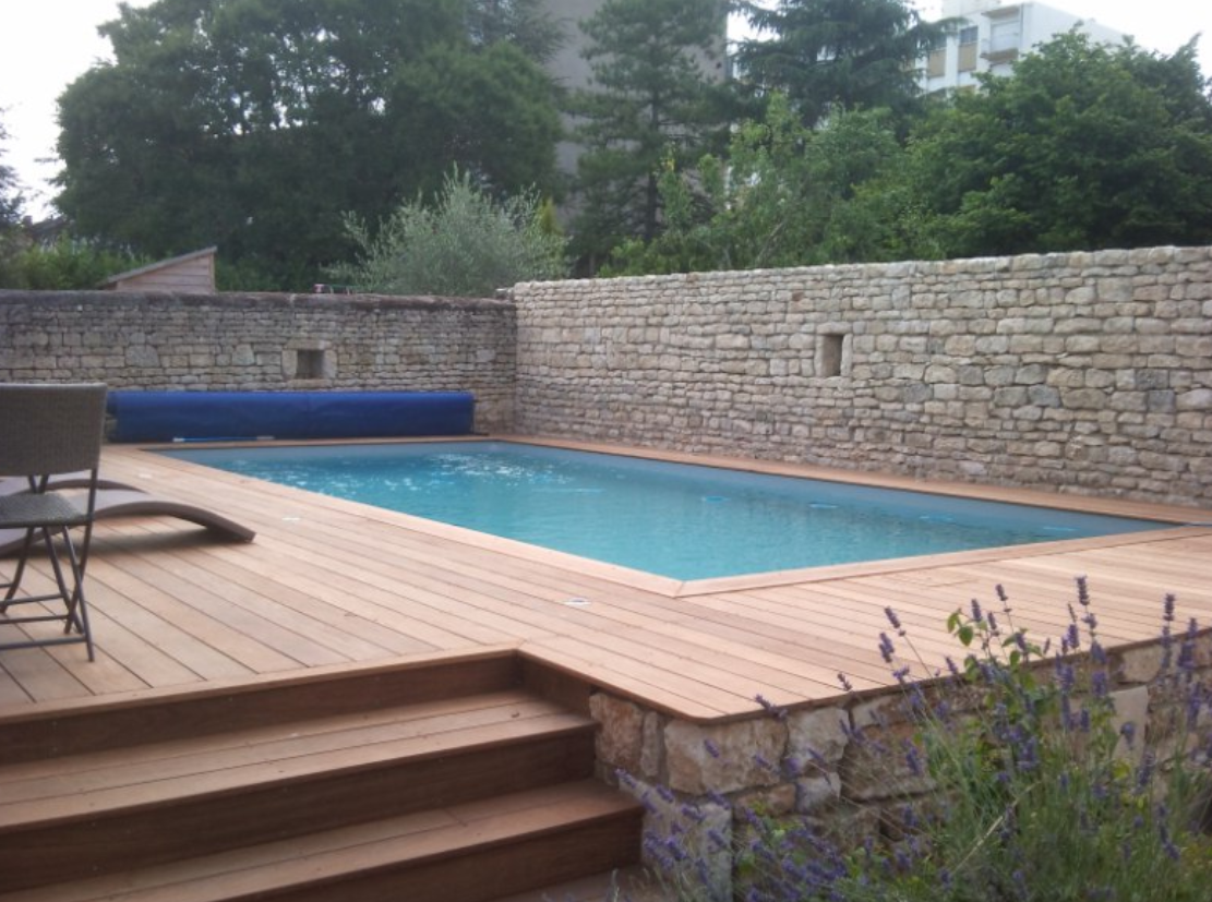 Le tas d 39 id e de piscine semi enterr e for Piscine teck semi enterree