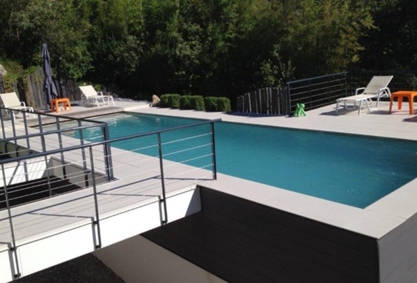 Piscine beton semi enterre top promo piscine semi enterre for Piscine semi enterre