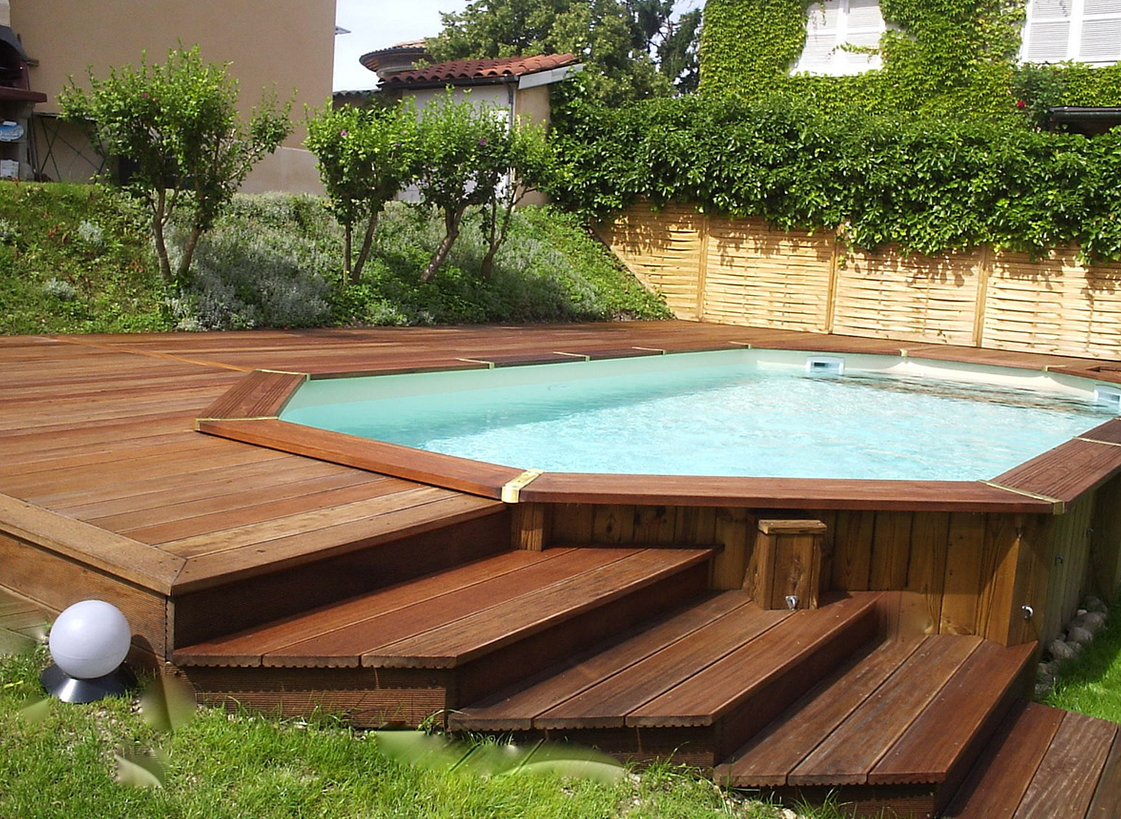piscine avec terrasse en bois. Black Bedroom Furniture Sets. Home Design Ideas