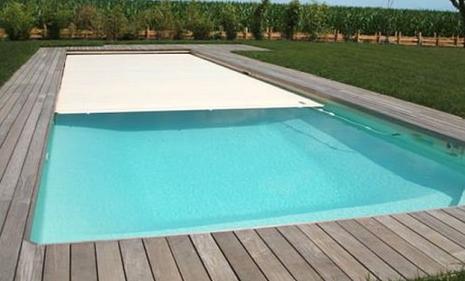 une piscine en kit