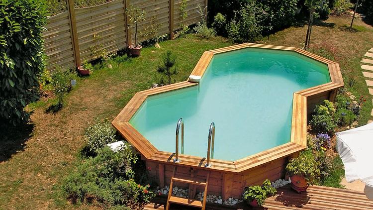 choisir piscine semi enterrée